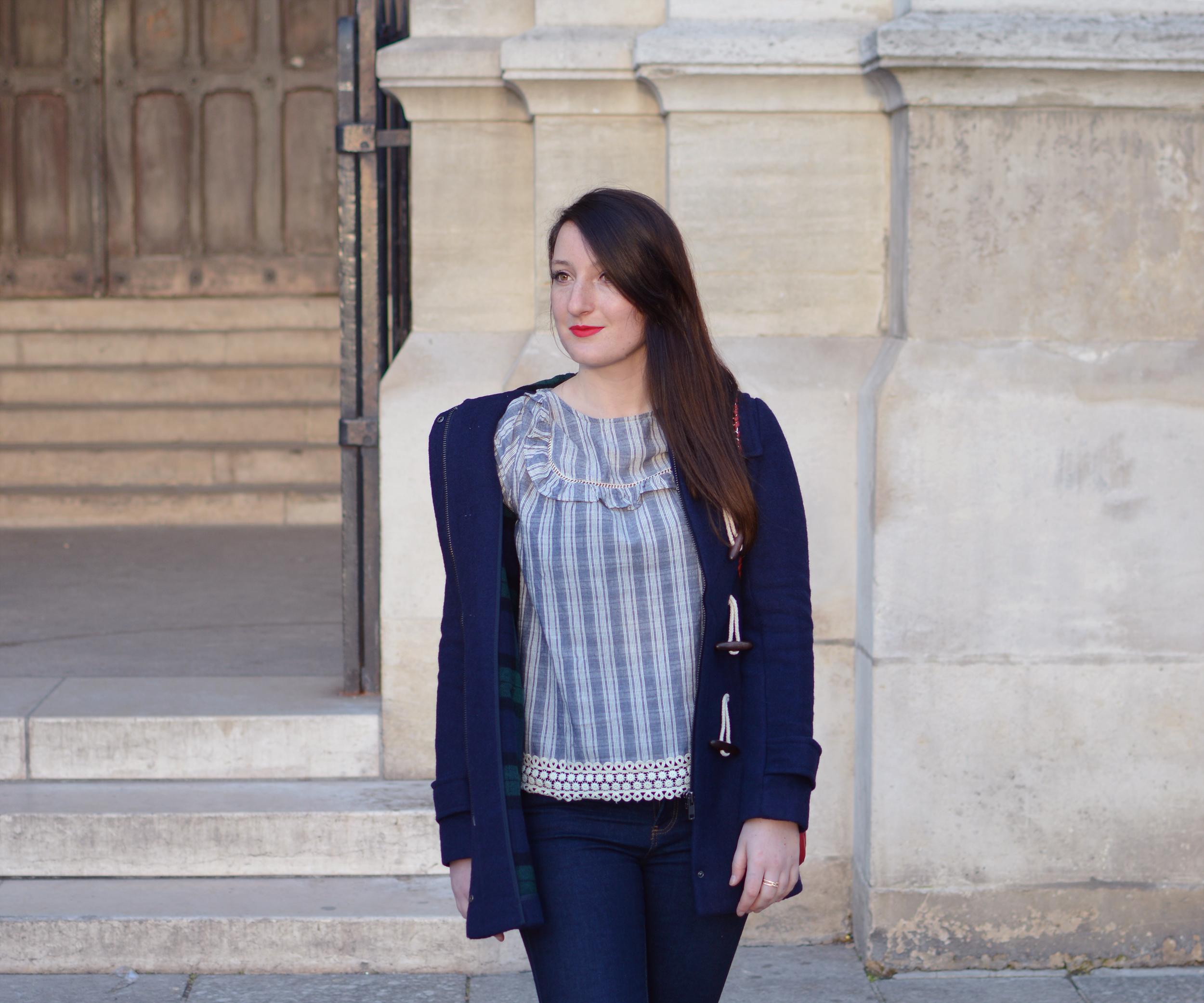 bleu-marine-bleumarine-rouge-look-sezane-dufflecoat-1