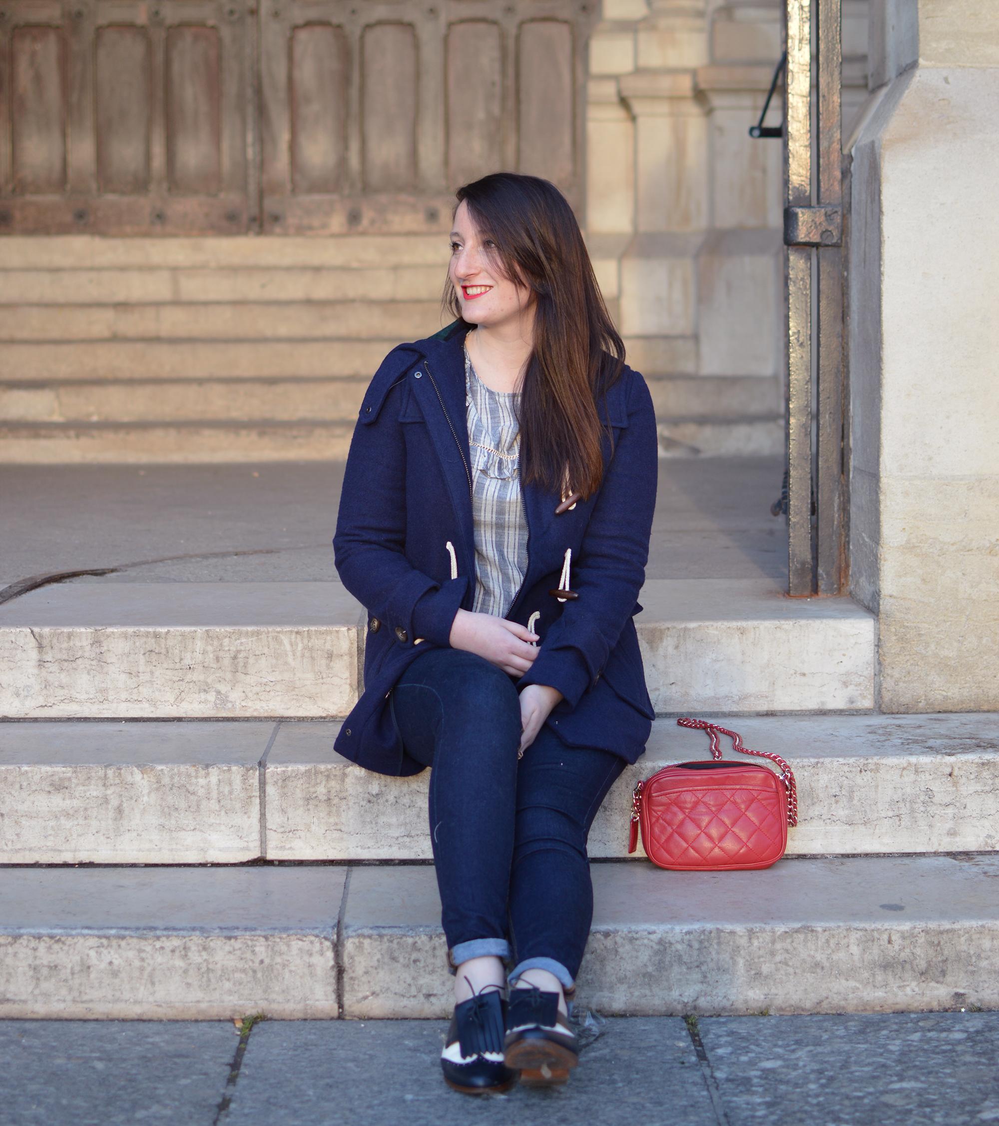 bleu-marine-bleumarine-rouge-look-sezane-dufflecoat-3